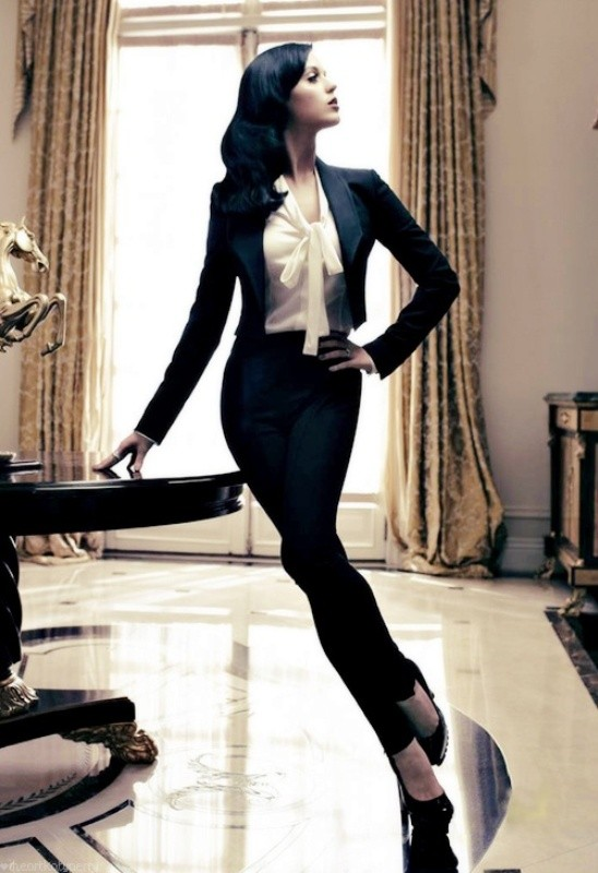 pantsuits-7-1 87+ Elegant Office Outfit Ideas for Business Ladies in 2021