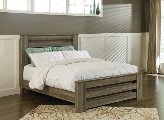 rustic-bed-rail-675x496 11 Charming Rustic Home Decors & Living Sets Trends in 2020