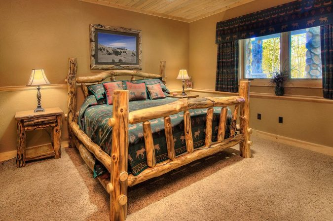 rustic-master-bedroom-with-crown-molding-675x448 11 Charming Rustic Home Decors & Living Sets Trends in 2017