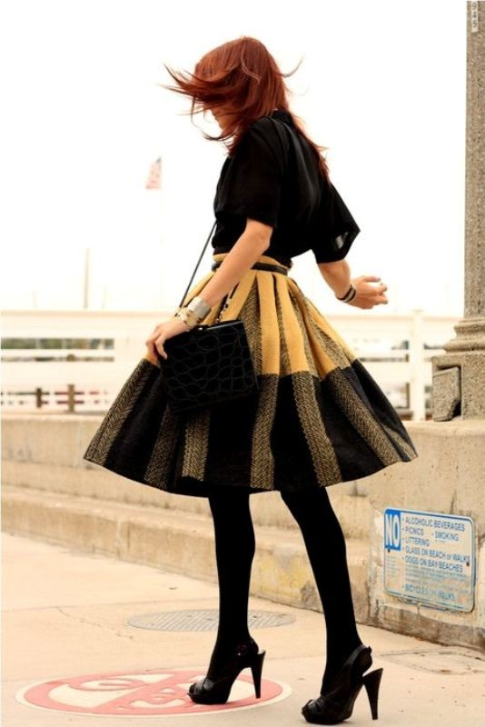skirts-for-work-20-1 87+ Elegant Office Outfit Ideas for Business Ladies in 2020