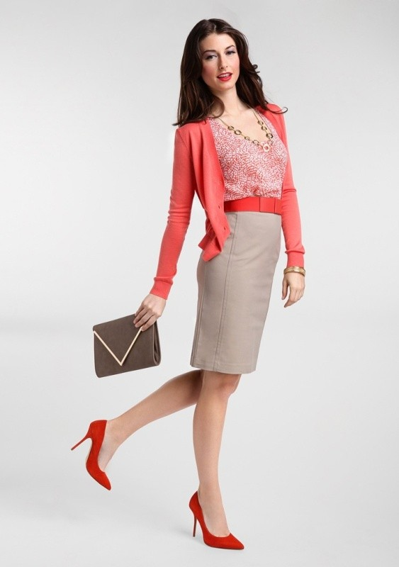 skirts-for-work-25-1 87+ Spring and Summer Office Outfit Ideas for Business Ladies 2019