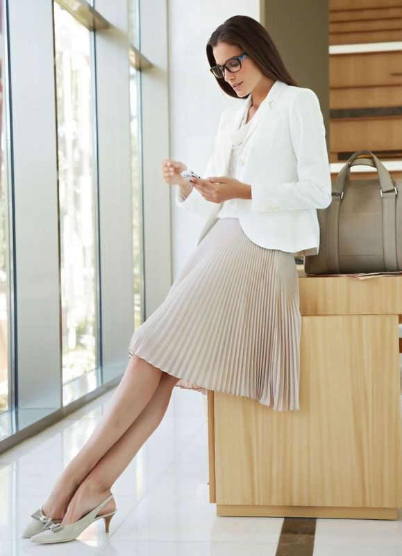 skirts-for-work-26-1 87+ Spring and Summer Office Outfit Ideas for Business Ladies 2019