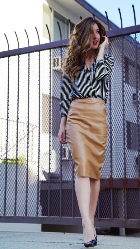 skirts-for-work-9-1 87+ Elegant Office Outfit Ideas for Business Ladies in 2021