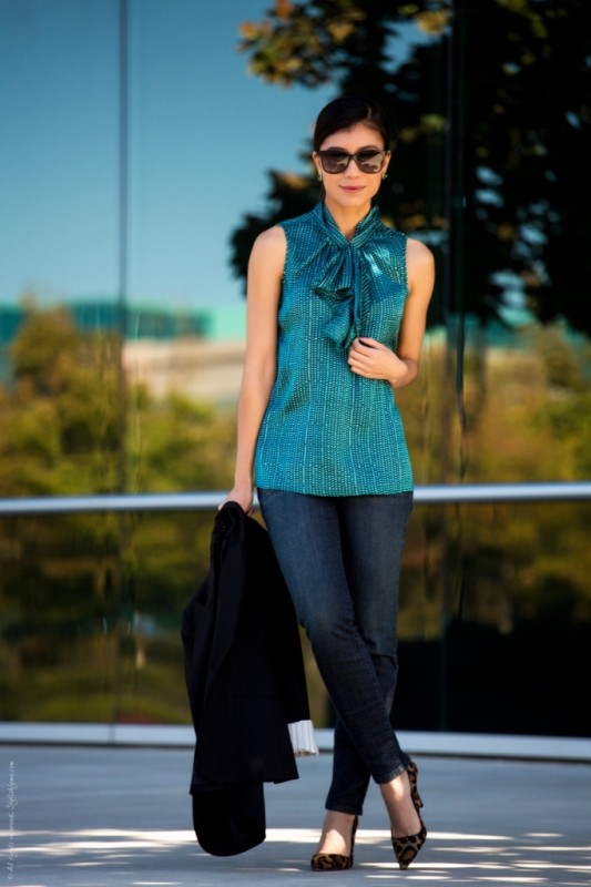 sleeveless-blouses-and-tank-tops-10-1 87+ Spring & Summer Office Outfit Ideas for Business Ladies 2017