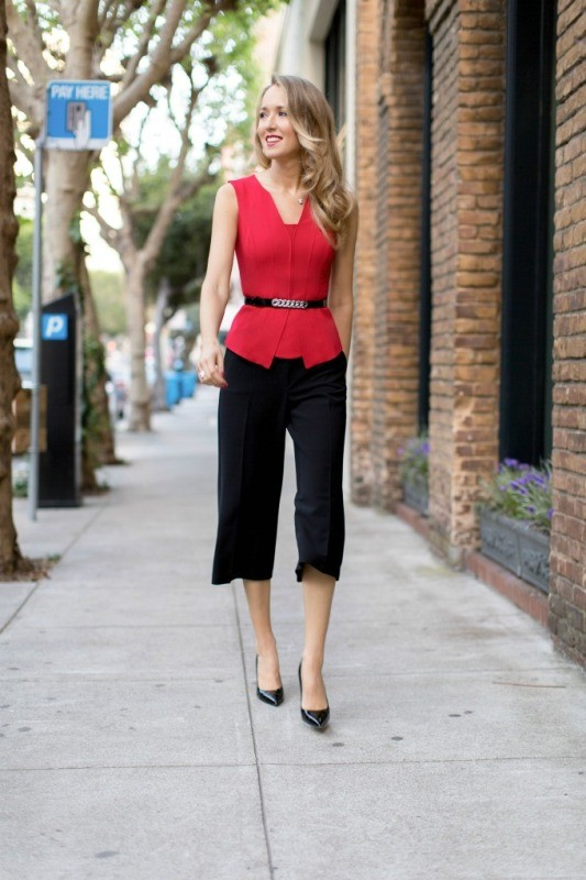 sleeveless-blouses-and-tank-tops-11-1 87+ Spring & Summer Office Outfit Ideas for Business Ladies 2017