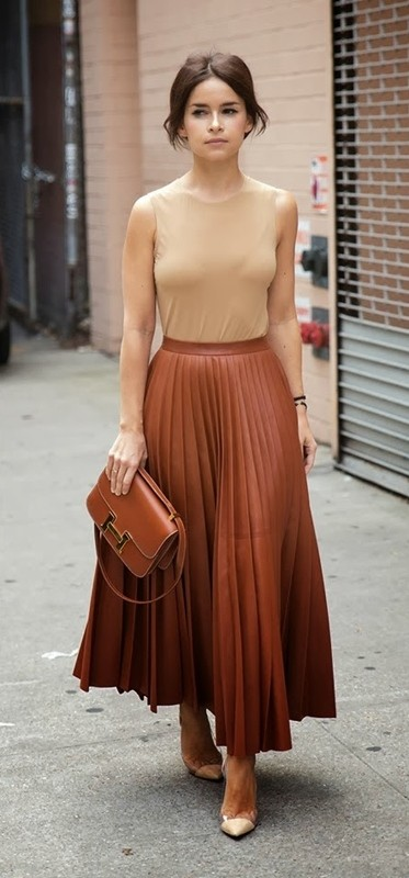 sleeveless-blouses-and-tank-tops-2-1 87+ Spring & Summer Office Outfit Ideas for Business Ladies 2017