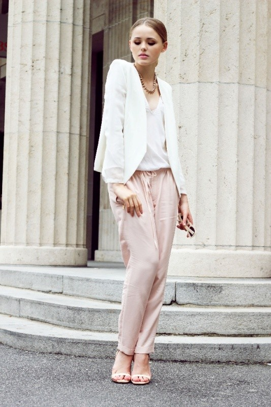 spring-and-summer-office-outfit-ideas-17-1 87+ Elegant Office Outfit Ideas for Business Ladies in 2021