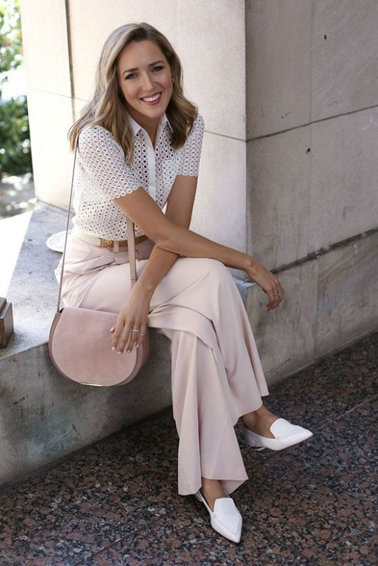 spring-and-summer-office-outfit-ideas-20-1 87+ Elegant Office Outfit Ideas for Business Ladies in 2021