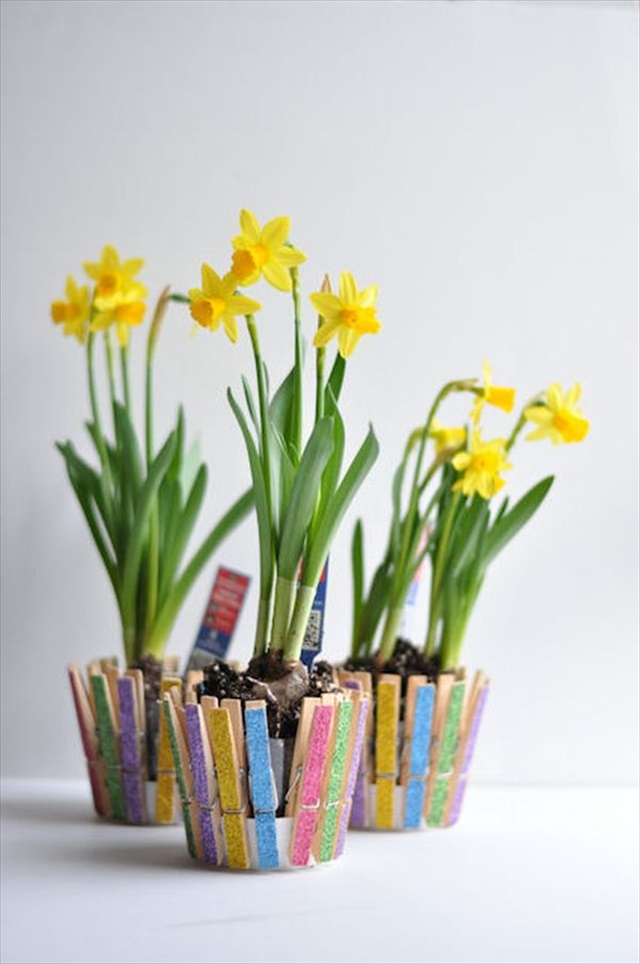 spring-fling-clothespin-flower-pot 8 Creative DIY Decor Ideas for a Fancy-looking home in 2018