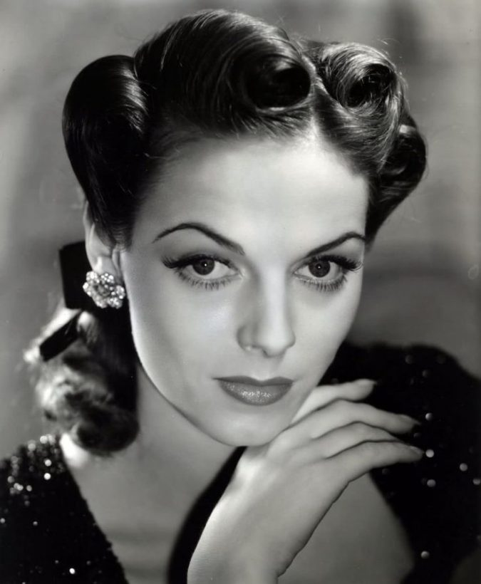 the-victory-rolls-hairstyle-675x820 217 Years of Hairstyles Development .. from the 19th Century till Today..