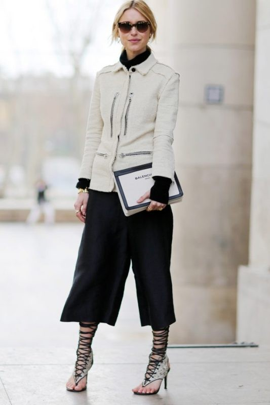 turtlenecks-14-2 83+ Fall & Winter Office Outfit Ideas for Business Ladies 2020
