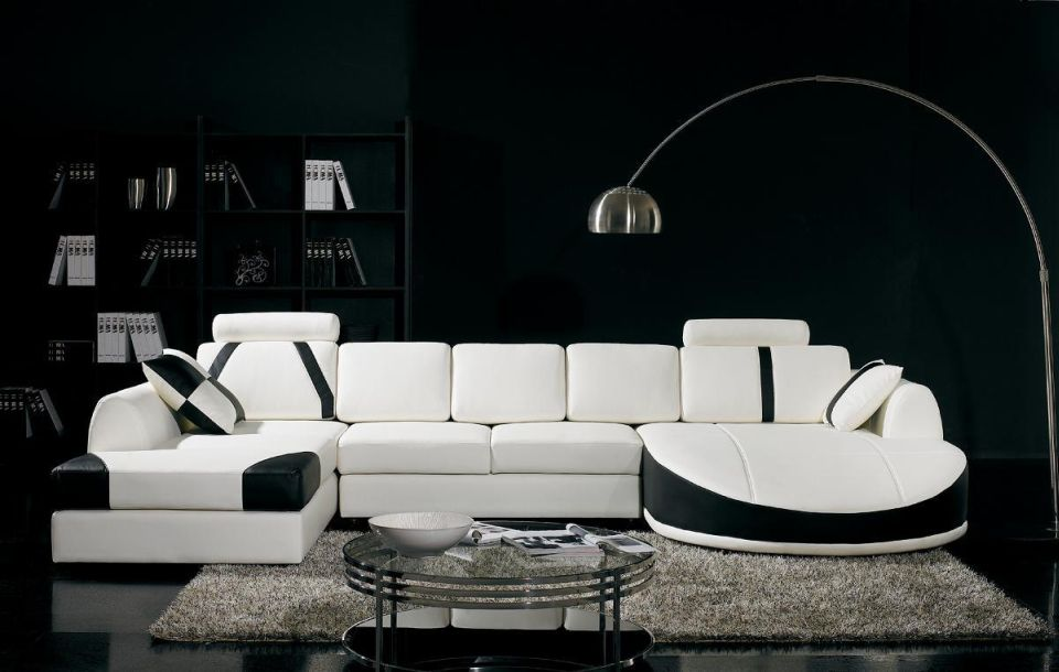 Add-classic-punch-to-home-décor-with-black-and-white-shades_522 5 Outdated Home Decor Trends That Are Coming Again in 2020