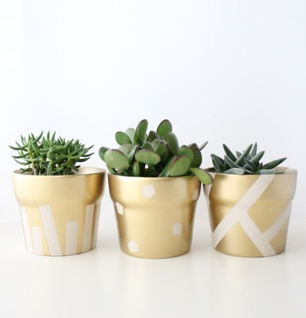 Mothers-Day-plant-pots-4 35 Unexpected & Creative Handmade Mother's Day Gift Ideas