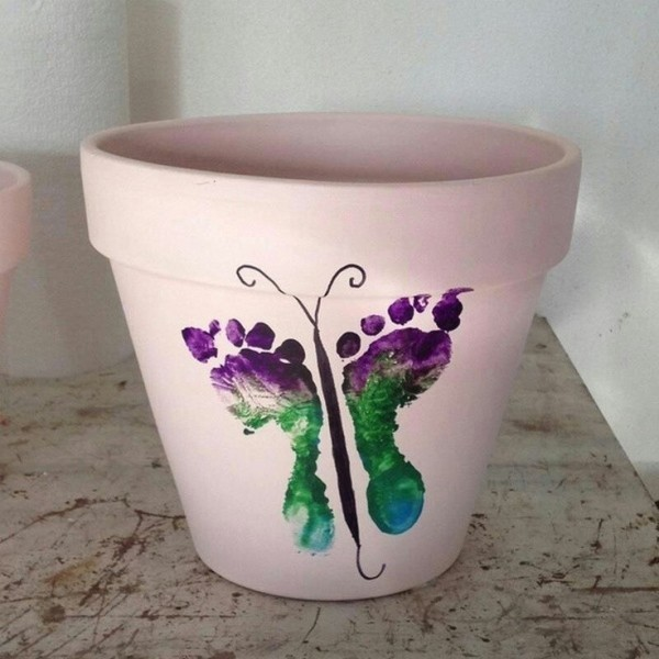 Mothers-Day-plant-pots-5 35 Unexpected & Creative Handmade Mother's Day Gift Ideas