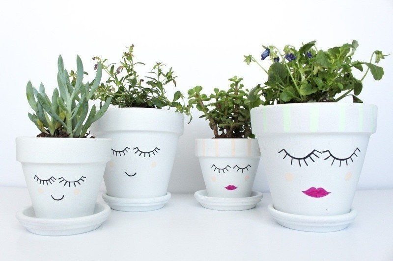 Mothers-Day-plant-pots-8 35 Unexpected & Creative Handmade Mother's Day Gift Ideas
