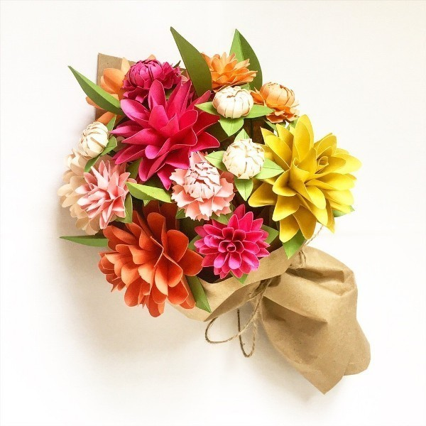 Stunning-flower-bouquet-made-of-paper 35 Unexpected & Creative Handmade Mother's Day Gift Ideas