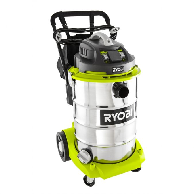 Wet-and-Dry-Vacuums-675x675 5 Commercial Cleaning Equipments that Makes the Job Much Easier
