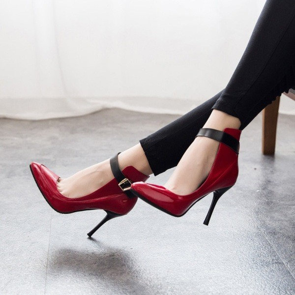 ankle-strap-shoes-24 11+ Catchiest Spring / Summer Shoe Trends for Women 2020