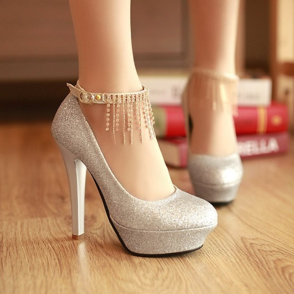 ankle-strap-shoes-25 11+ Catchiest Spring / Summer Shoe Trends for Women 2020