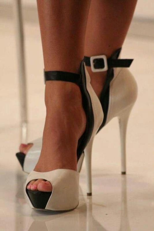 ankle-strap-shoes 11+ Catchiest Spring & Summer Shoe Trends for Women 2018