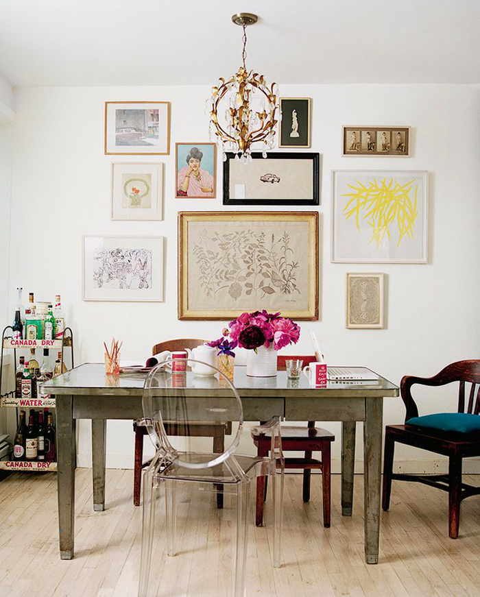 art-gallary-wall-7 5 Outdated Home Decor Trends That Are Coming Again in 2020