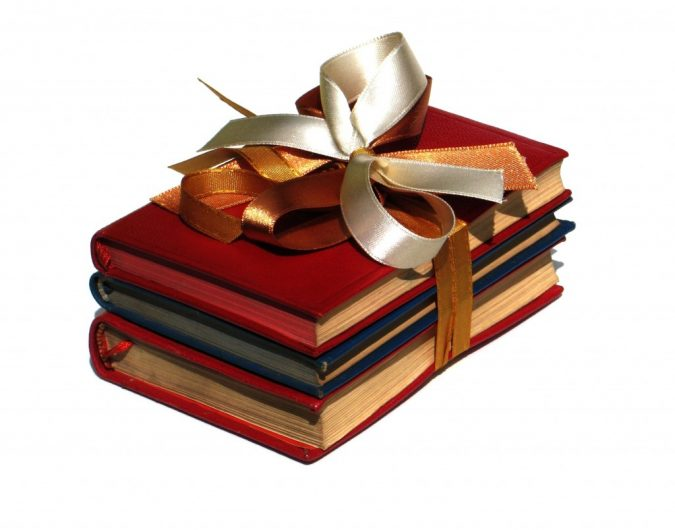 books-gift-675x530 Romantic Gifts For Your Lady on the Valentine's Day 2020