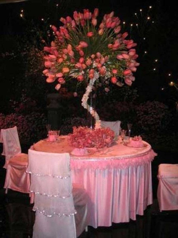 branch-wedding-centerpieces-13 11 Tips on Mixing Antique and Modern Décor Styles