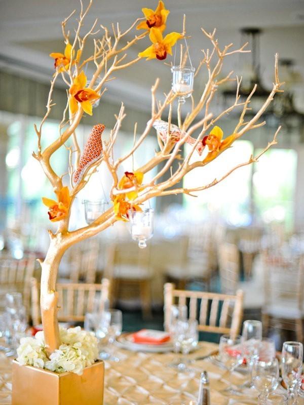 branch-wedding-centerpieces-14 79+ Insanely Stunning Wedding Centerpiece Ideas