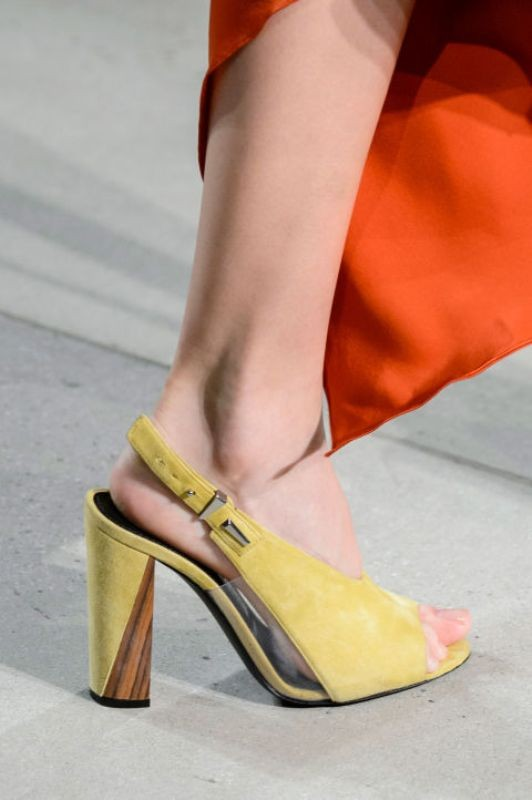 breathable-shoes-4 11+ Catchiest Spring / Summer Shoe Trends for Women 2020