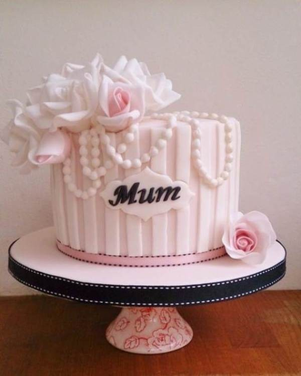 cakes-1 28+ Most Fascinating Mother's Day Gift Ideas