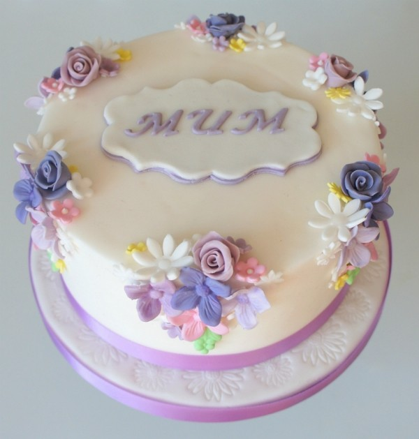 cakes-3 28+ Most Fascinating Mother's Day Gift Ideas