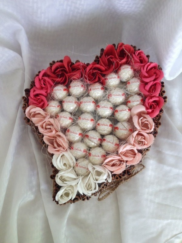 chocolate-floral-bouquet-1 35 Unexpected & Creative Handmade Mother's Day Gift Ideas