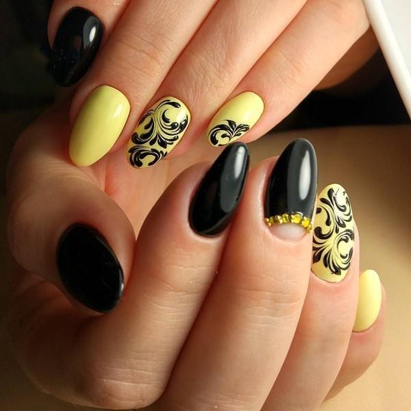 embellished-nails-14 16+ Lovely Nail Polish Trends for Spring & Summer 2020