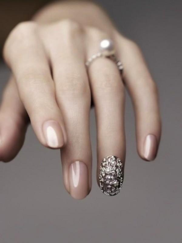 embellished-nails-2 16+ Lovely Nail Polish Trends for Spring & Summer 2020