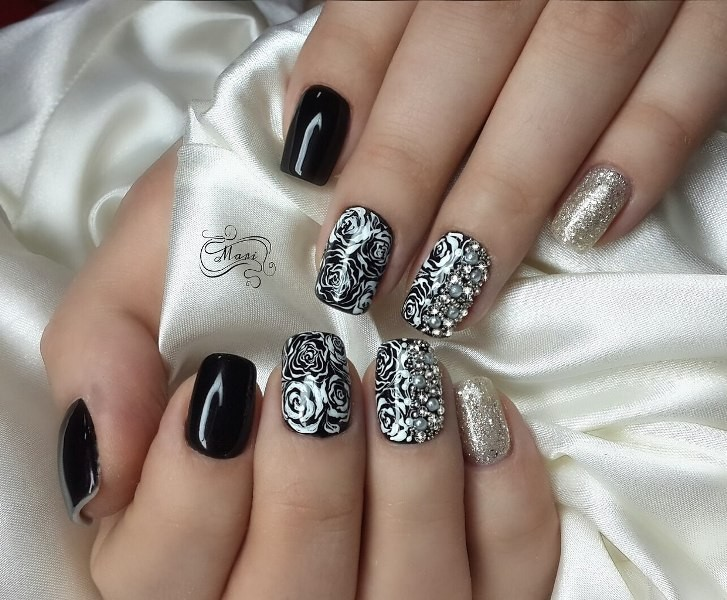 embellished-nails-22 16+ Lovely Nail Polish Trends for Spring & Summer 2020