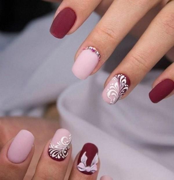 embellished-nails-7 16+ Lovely Nail Polish Trends for Spring & Summer 2020