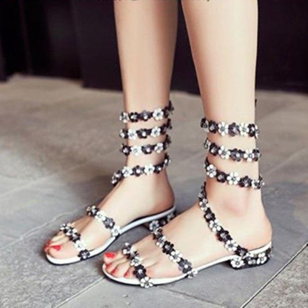 embellished-shoes-13 11+ Catchiest Spring & Summer Shoe Trends for Women 2018
