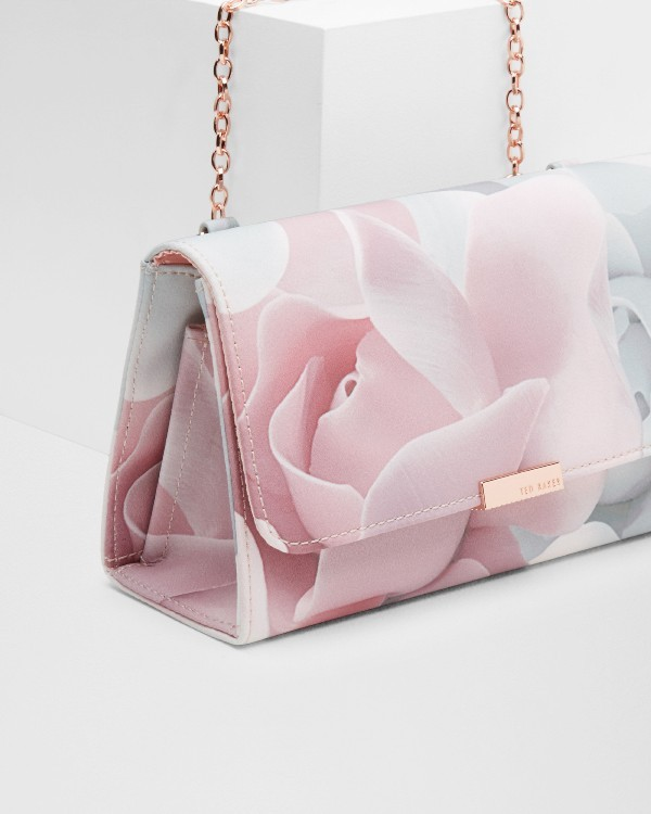 fabulous-handbags-6 28+ Most Fascinating Mother's Day Gift Ideas