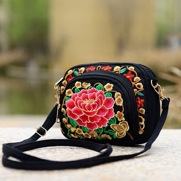 fabulous-handbags-8 28+ Most Fascinating Mother's Day Gift Ideas