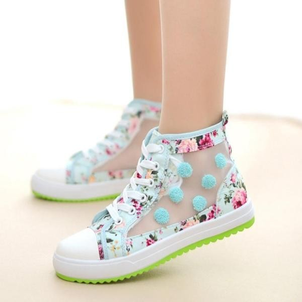 fashionable-sneakers-2 11+ Catchiest Spring / Summer Shoe Trends for Women 2020