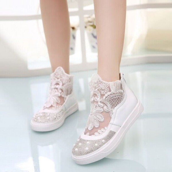 fashionable-sneakers-3 11+ Catchiest Spring / Summer Shoe Trends for Women 2020