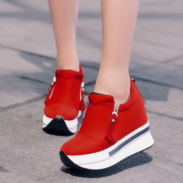 fashionable-sneakers-4 11+ Catchiest Spring & Summer Shoe Trends for Women 2017