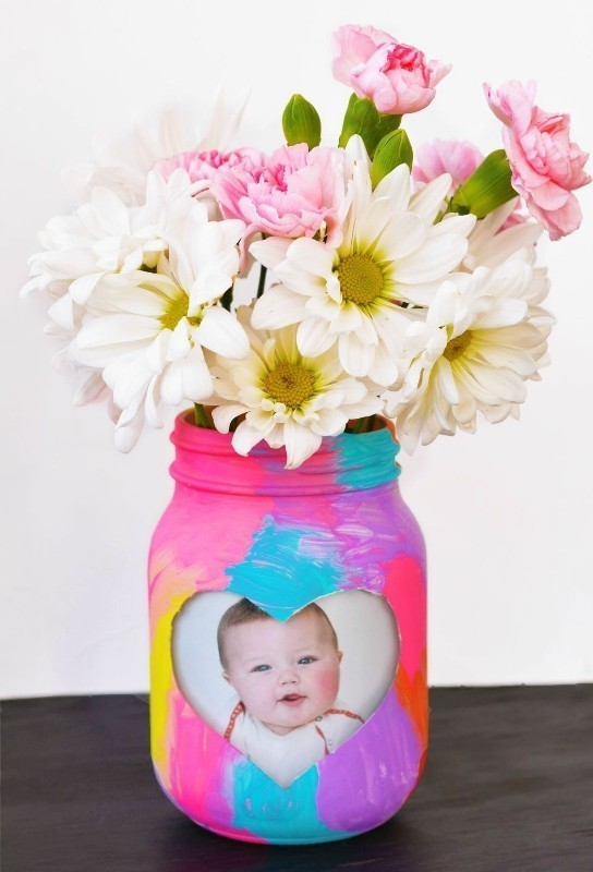 handmade-Mothers-Day-Vase-1 35 Unexpected & Creative Handmade Mother's Day Gift Ideas