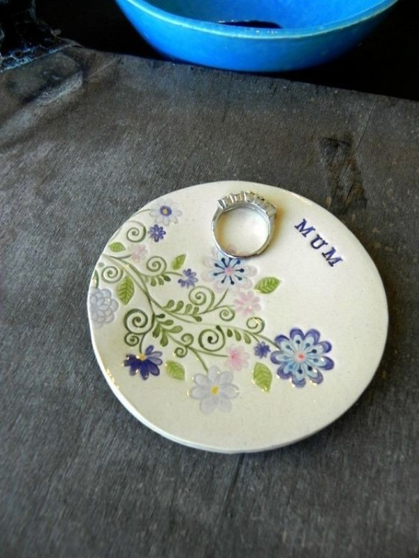 handmade-jewelry-dish-2 35 Unexpected & Creative Handmade Mother's Day Gift Ideas
