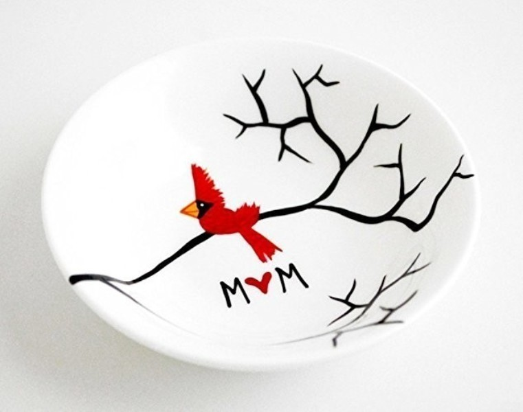 handmade-jewelry-dish-5 35 Unexpected & Creative Handmade Mother's Day Gift Ideas