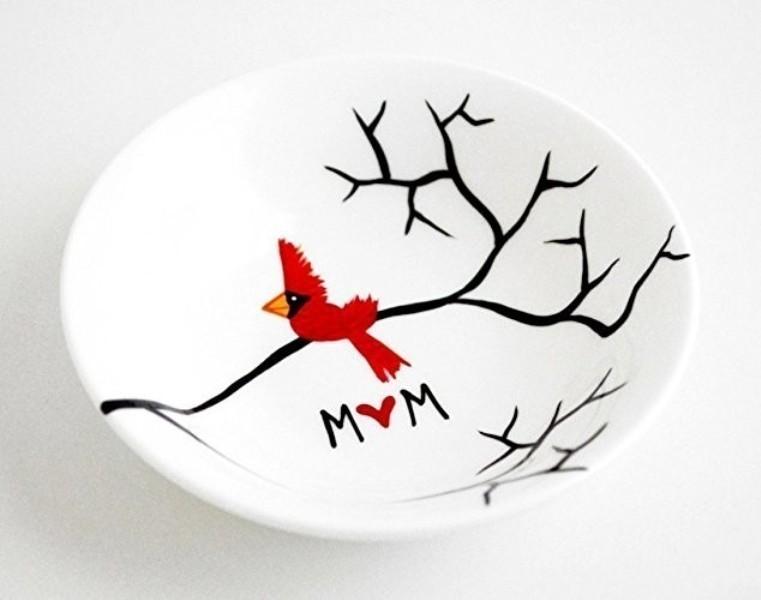 handmade-jewelry-dish-5 35 Unexpected & Creative Handmade Mother's Day Gift Ideas