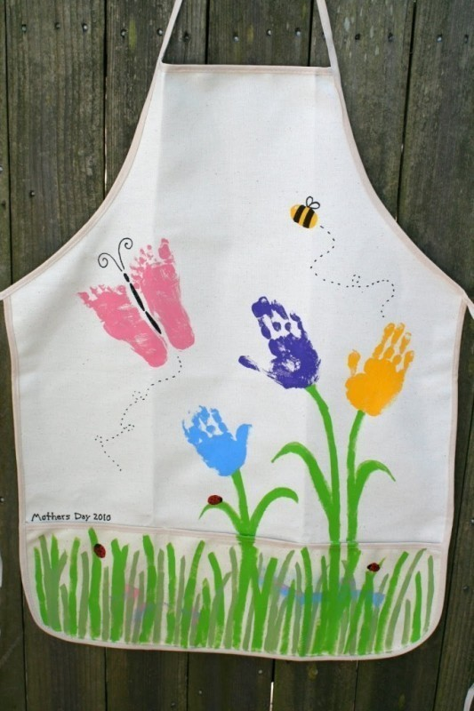 handprint-and-footprint-crafts-and-art-ideas-2 35 Unexpected & Creative Handmade Mother's Day Gift Ideas
