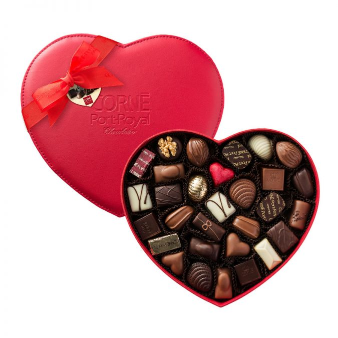 heart-shaped-box-of-chocolate-675x675 Romantic Gifts For Your Lady on the Valentine's Day 2020
