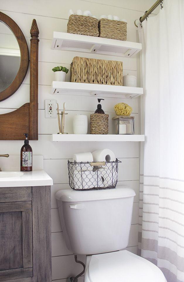 interior-design-bathroom-narrow-wall-shelves 15 Interior Design Tips & Ideas for Narrow Small Spaces