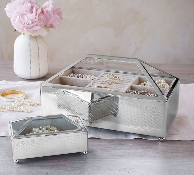 jewelry-box-7 28+ Most Fascinating Mother's Day Gift Ideas